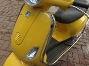 Bộ Đôi Sơn Xe Trắng - Vàng Mới Cập Bến Tại VIỆT Ý Piaggio